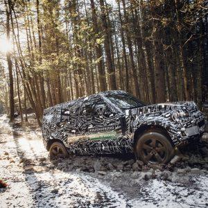 Дорожные тесты нового Land Rover Defender