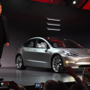 Новый рекорд производства Tesla Model 3