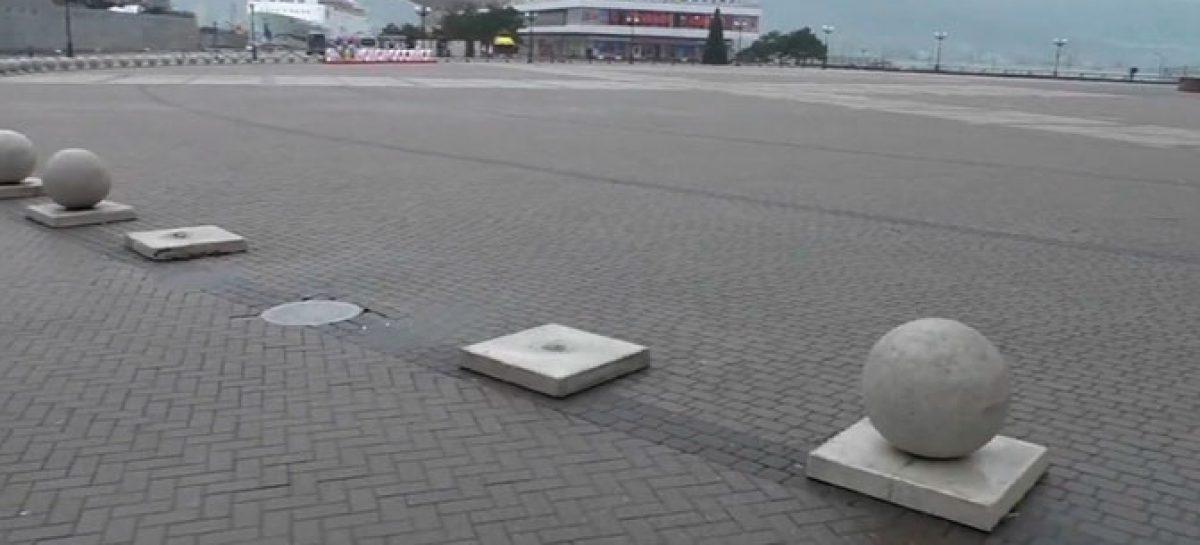 Девять 200-килограммовых каменных шаров украли с набережной Новороссийска