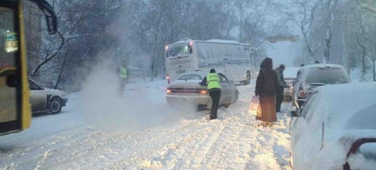 Участок трассы М-4 «Дон» закрыли из-за снегопада