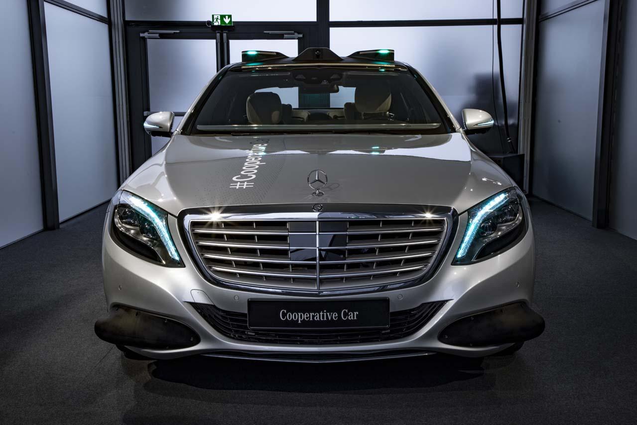 Mercedes-Benz FutureInsight