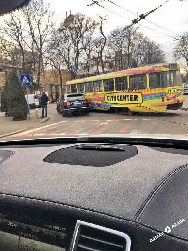Bentley трамвай