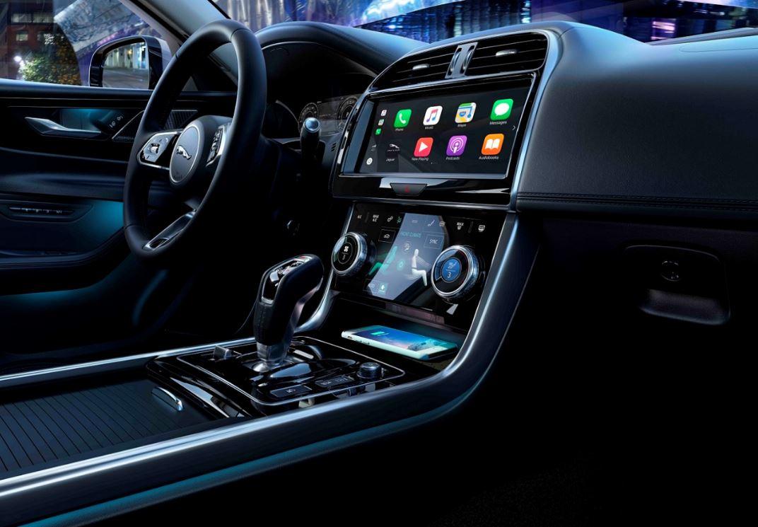 Jaguar XE 2020 (4)