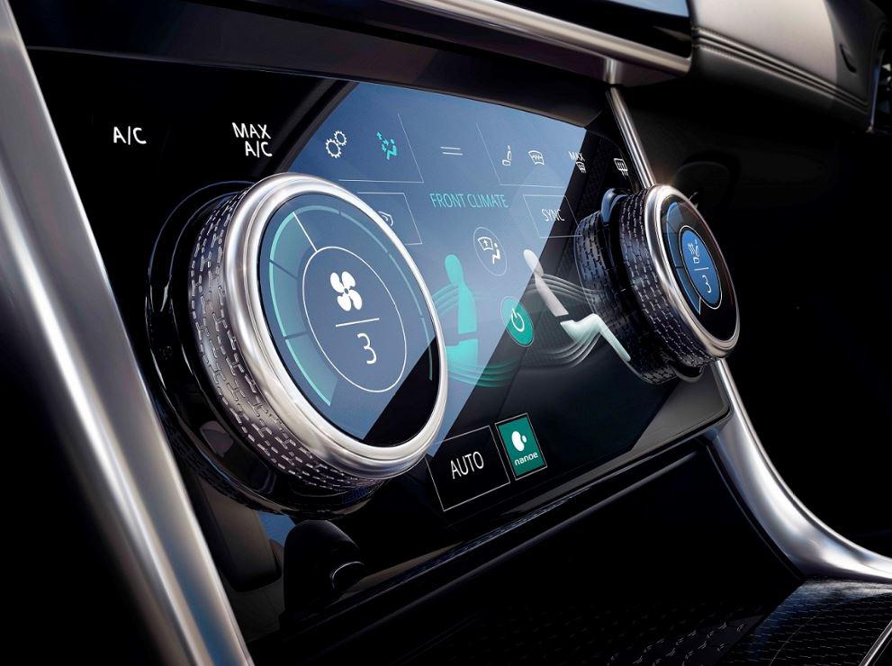 Jaguar XE 2020 (6)