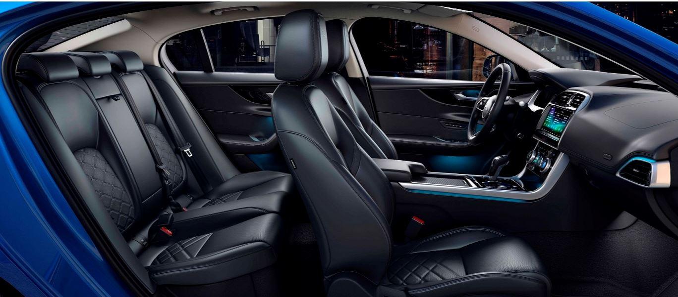 Jaguar XE 2020 (3)