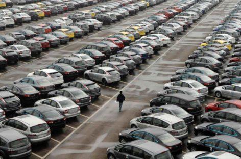 Китайский автомобильный рынок снижается седьмой месяц подряд