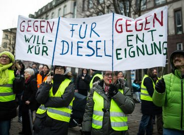 Желтые жилеты теперь в Германии: немцы выступают против запрета дизельных автомобилей