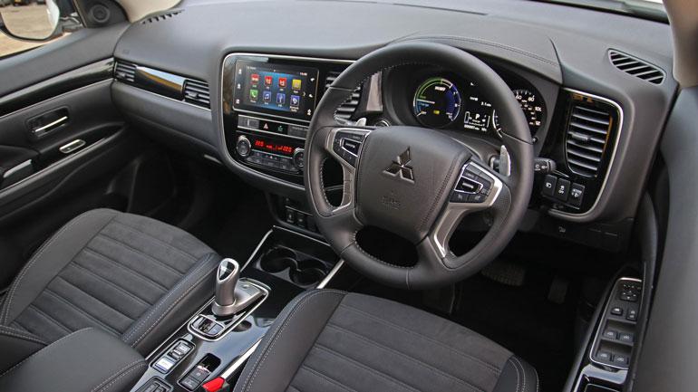Mitsubishi-Outlander-PHEV-Commercial