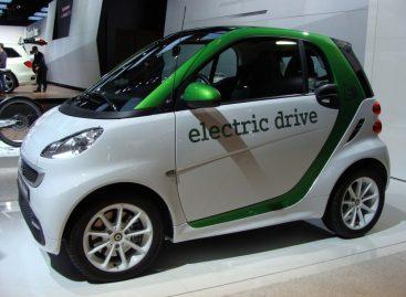 В ЕС вступили в силу правила по оснащению электромобилей генератором шума