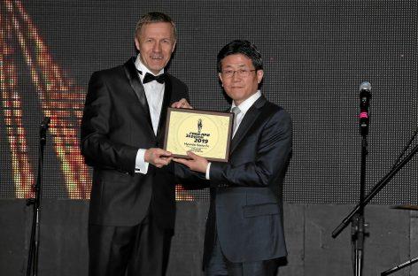 Новый Hyundai Santa Fe стал победителем конкурса Гран-при «За рулем» в номинации «Средние кроссоверы»