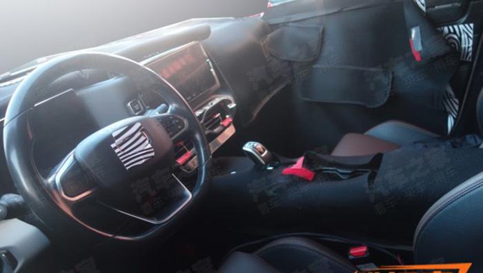 Geely SX12 новый кроссовер салон фото
