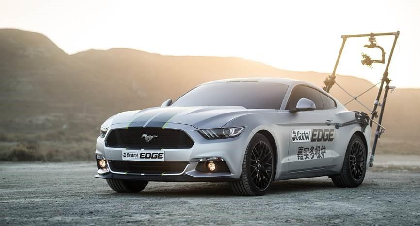 Mustang и масло Castrol