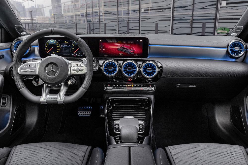 Mercedes - AMG A35 4Matic салон