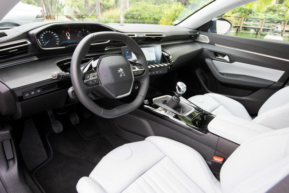 Peugeot 508 салон