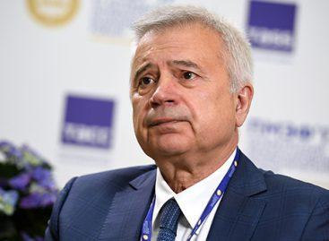 Вагит Алекперов предложил реализацию алкоголя на заправках