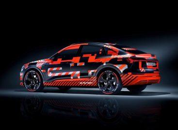 Audi показала в Женеве закамуфлированный электрокар E-tron Sportback