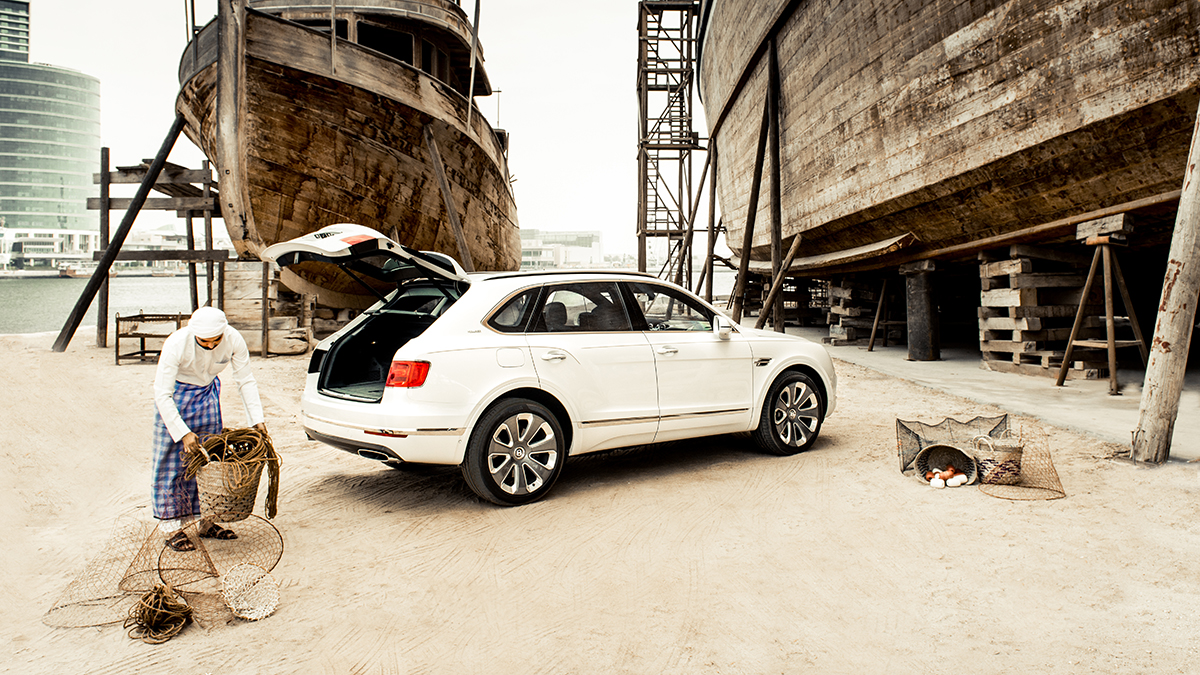 Bentley 'Pearl of the Gulf' сзади фото