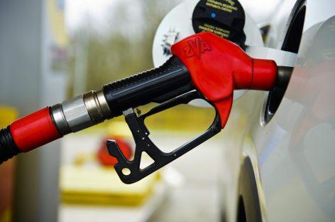 "Минпромторг предложил запретить продажу топлива ниже класса ""Евро-5"""