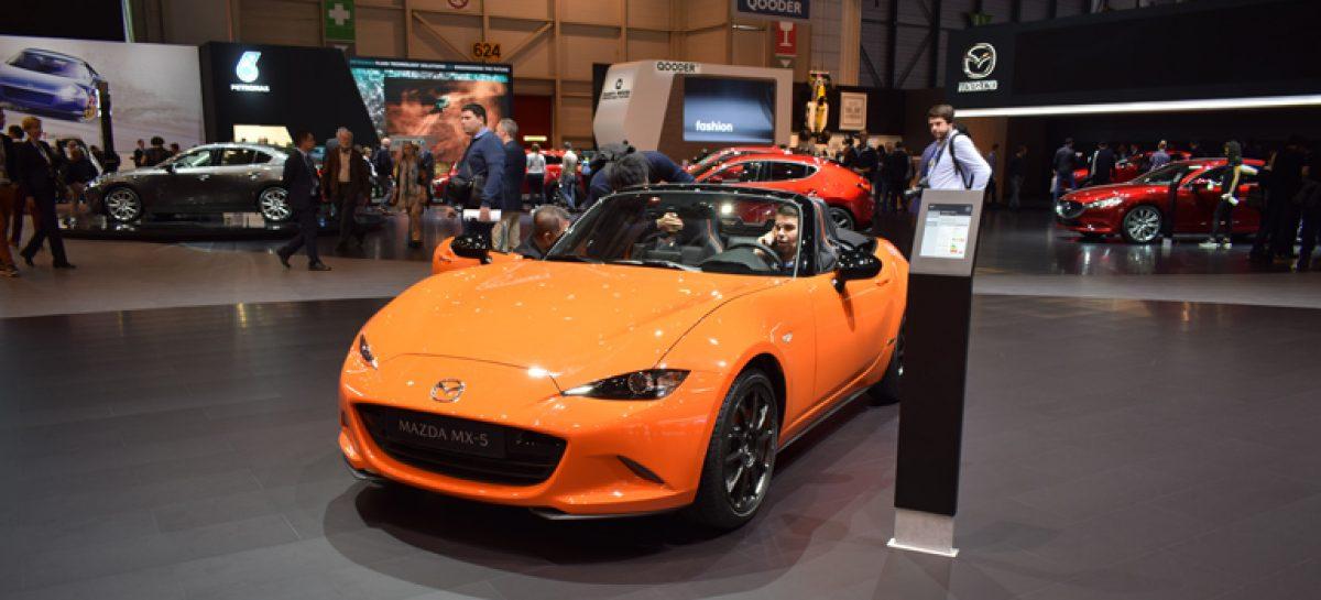 Mazda представила родстер MX-5 со складным верхом в Женеве