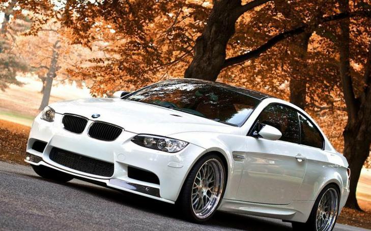 белый-цвет-автомобиля самый популярный в России фото