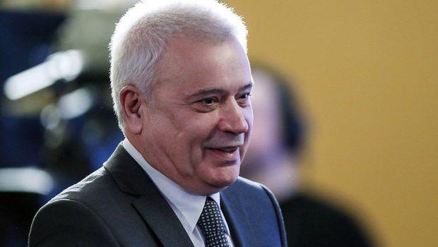 Алекперов предложил продажу алкоголя на заправках лого