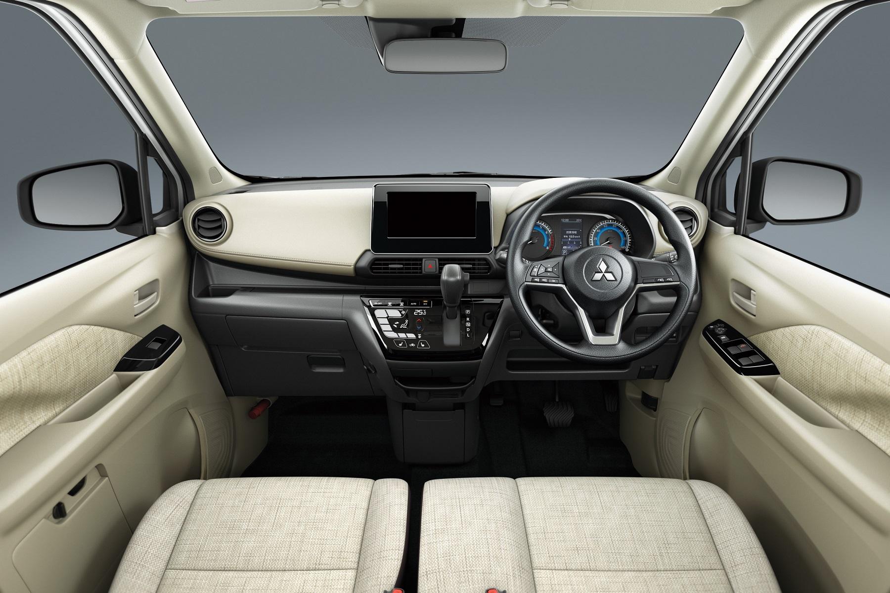 eK-Wagon 2019 - interior
