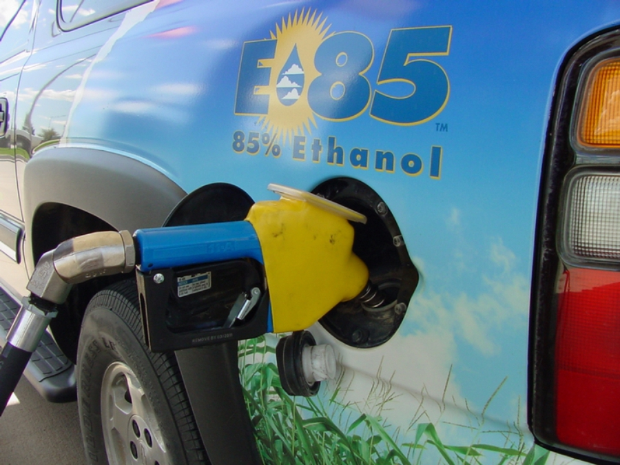 этанол топливо для автомобиля