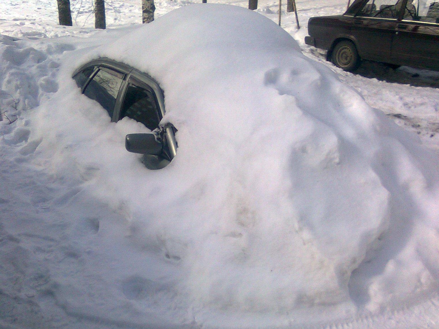 машина под снегом 1