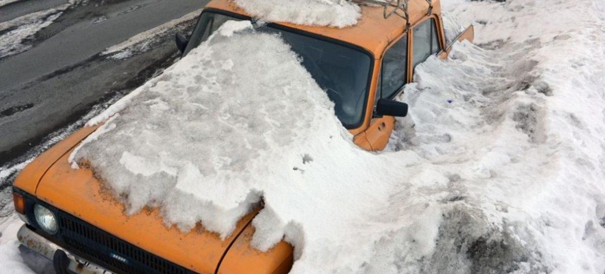 За брошенные во дворах автомобили предложено жестко наказывать