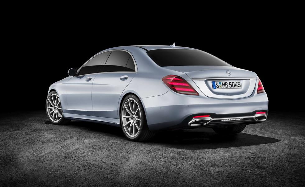 Премьера нового Mercedes-Benz S-Klasse ожидается в следующем году.