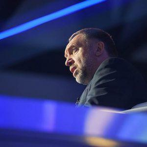Олег Дерипаска просит помощи сразу у двух государств