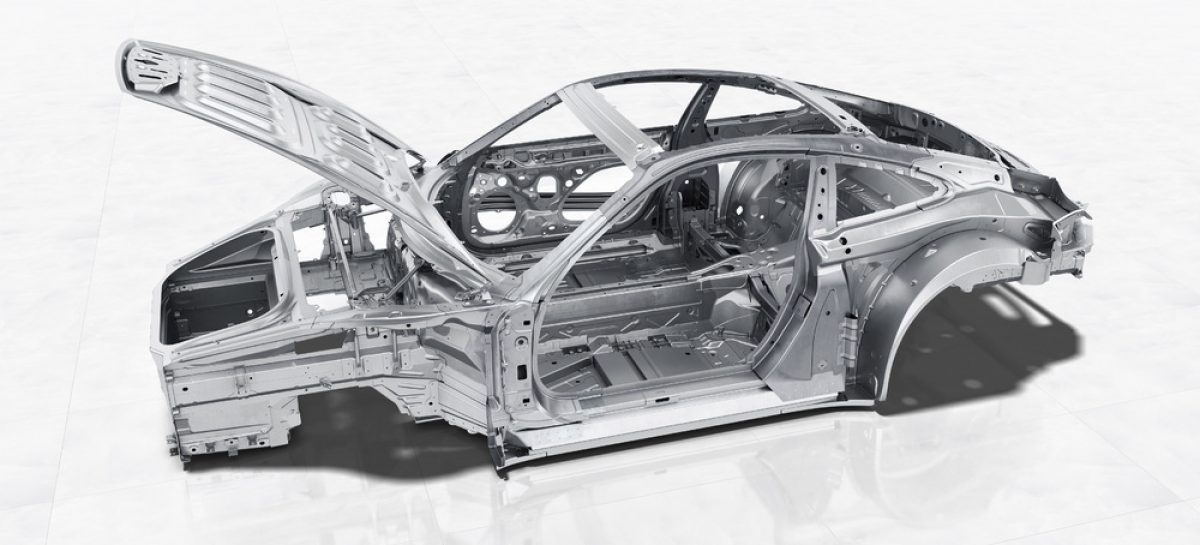 Инновации в кузове: комбинация материалов в новом Porsche 911