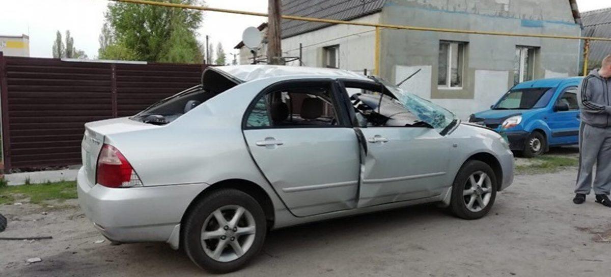 В Харькове в автомобиль бросили гранату, водитель выжил