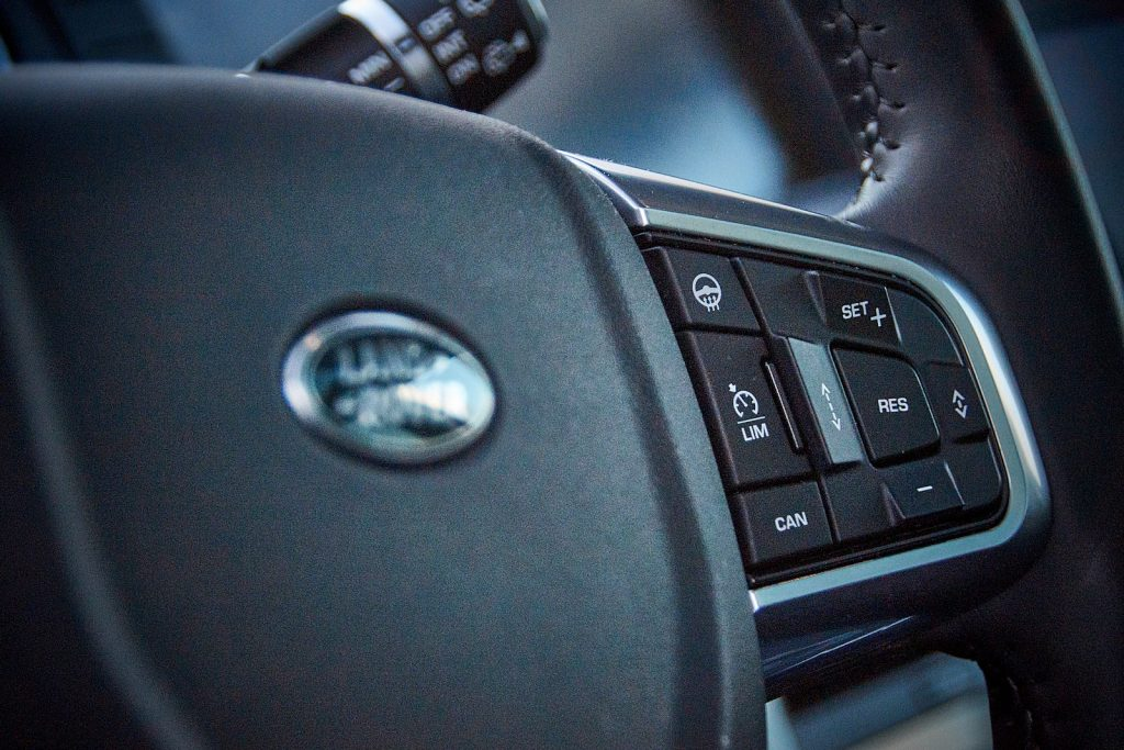 Land Rover Discovery Sport 2019 салон