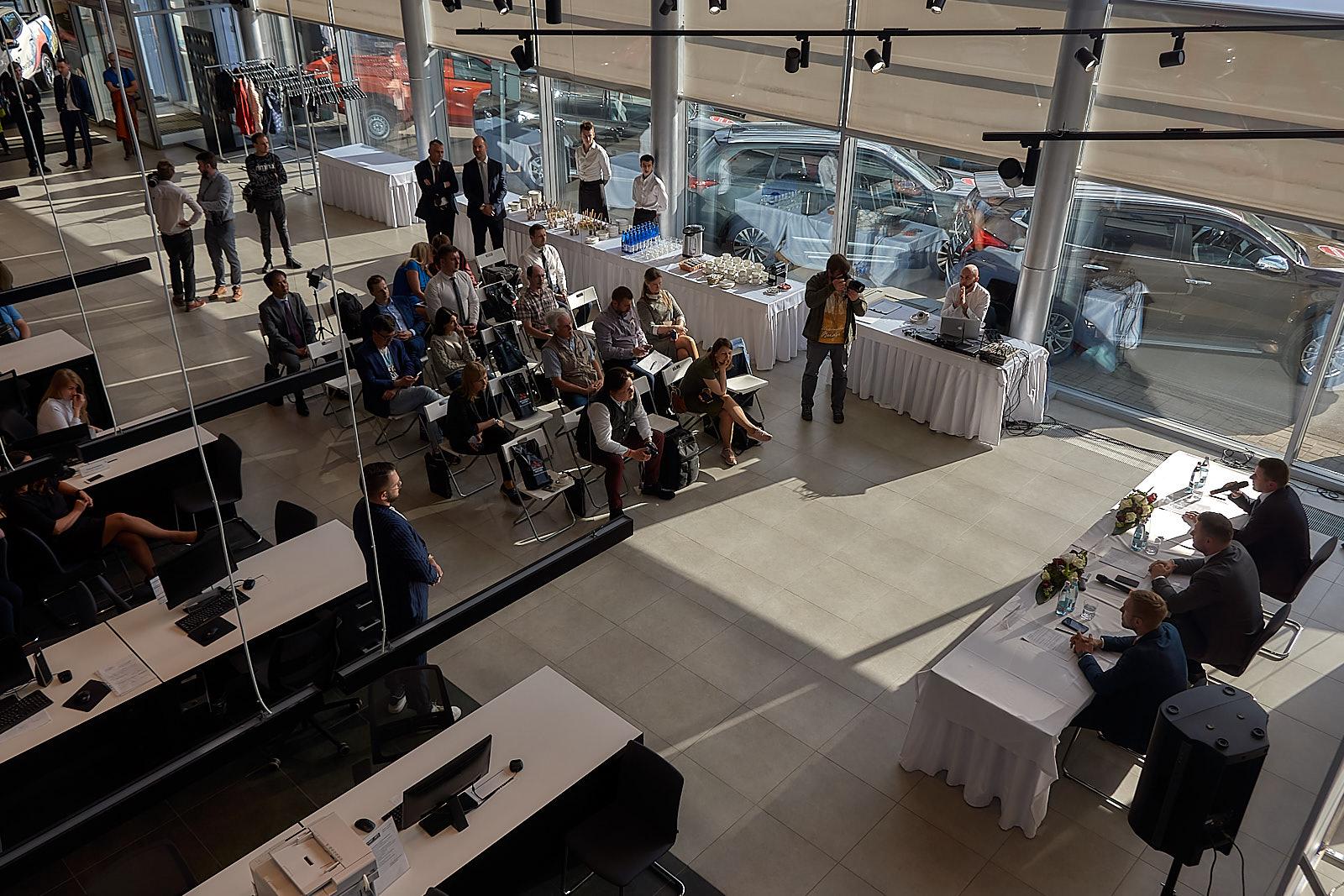 Презентация новой концепции дизайна дилерского центра Mitsubishi Motors в Санкт-Петербурге. Группа компаний «Галант-Авто»
