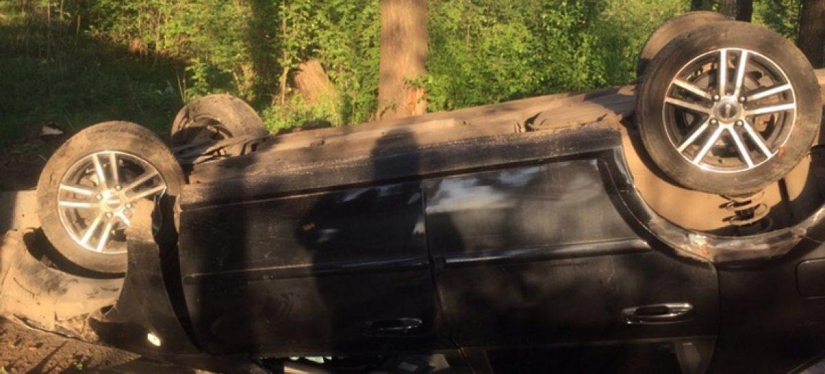Водитель перевернулся на машине и сбежал от скорой помощи в Подольске