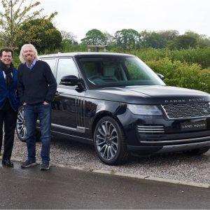 Land Rover представляет специальную версию Range Rover Astronaut для будущих астронавтов Virgin Galactic
