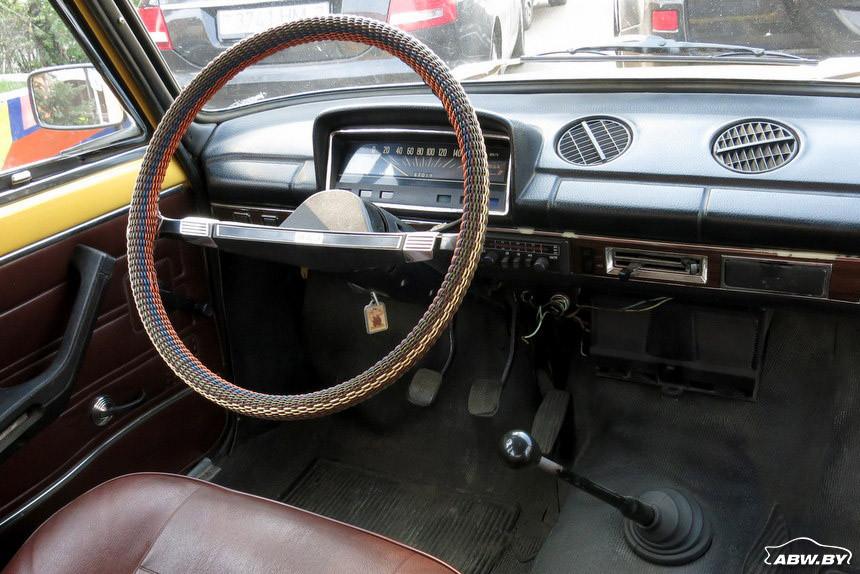 ВАЗ-21013 1981 г салон 1
