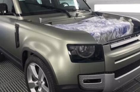Первая фотография нового Land Rover Defender появилась в сети