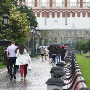 Жителей Московского региона ожидают жаркая погода и дожди с грозами