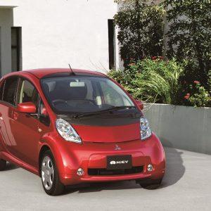 Mitsubishi Motors отмечает 10-летний юбилей с момента выпуска электромобиля i-MiEV