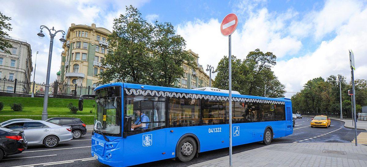 Власти Москвы объяснили причины отказа от организации бесплатного проезда в общественном транспорте