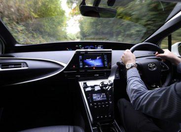 Половина рынка праворульных автомобилей приходится на пять регионов страны