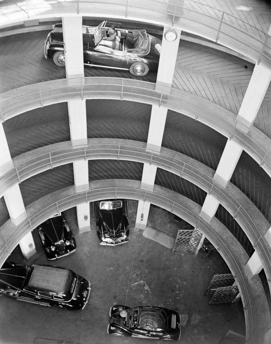 парковка в Италии прошлый век 1