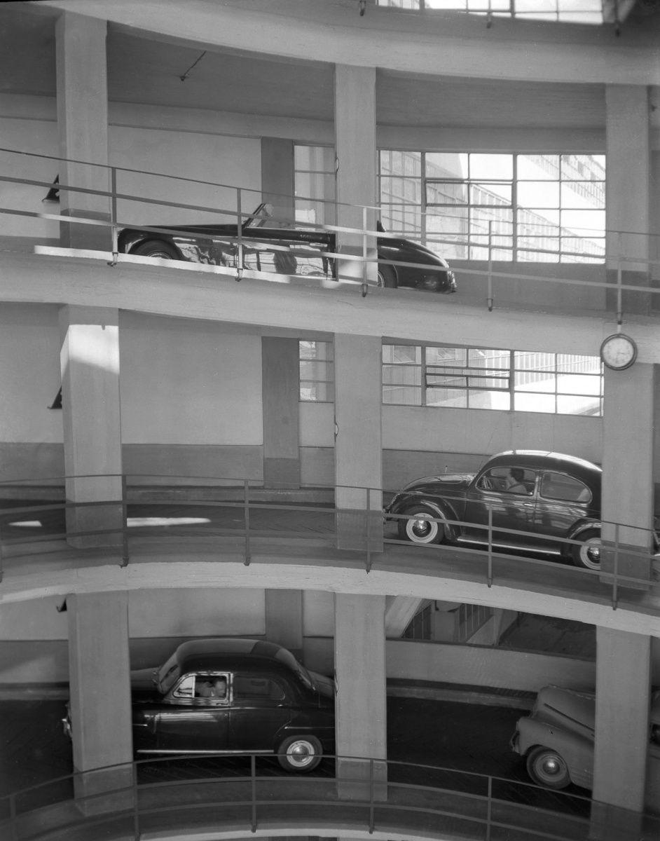 парковка в Италии прошлый век