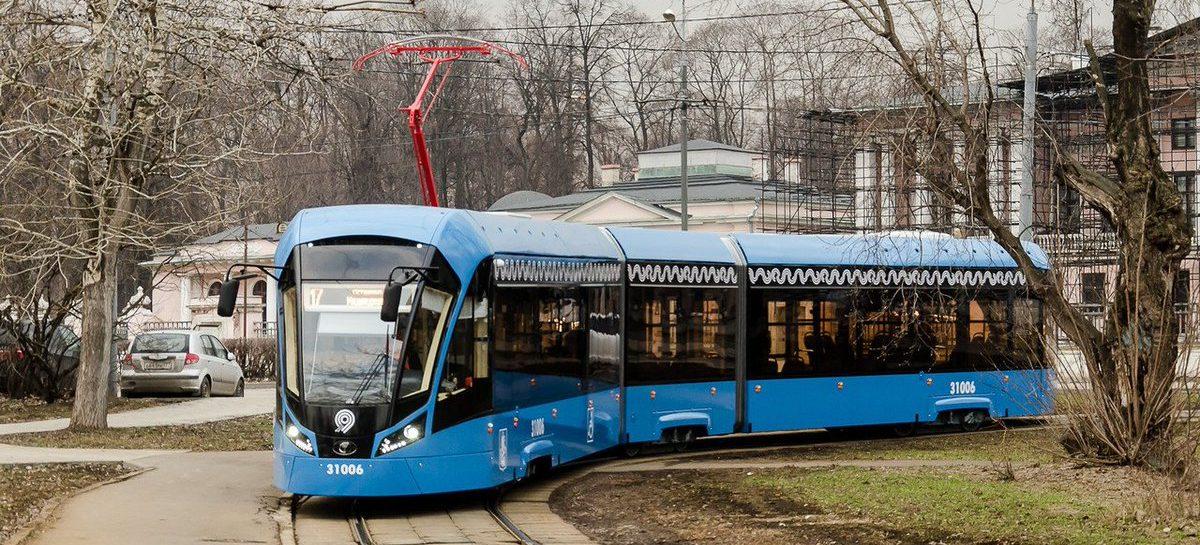 В Москве с автомобилиста пытаются взыскать 1,5 млн  рублей за повреждения трамвая