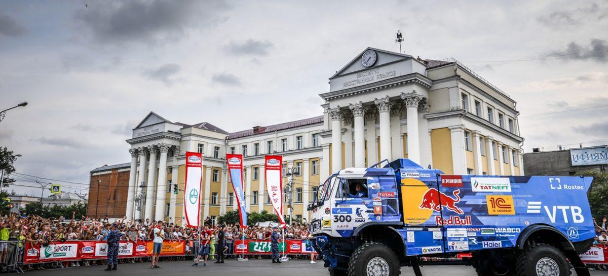 Экипажи команды «КАМАЗ-мастер» стартовали на ралли «Шелковый путь»
