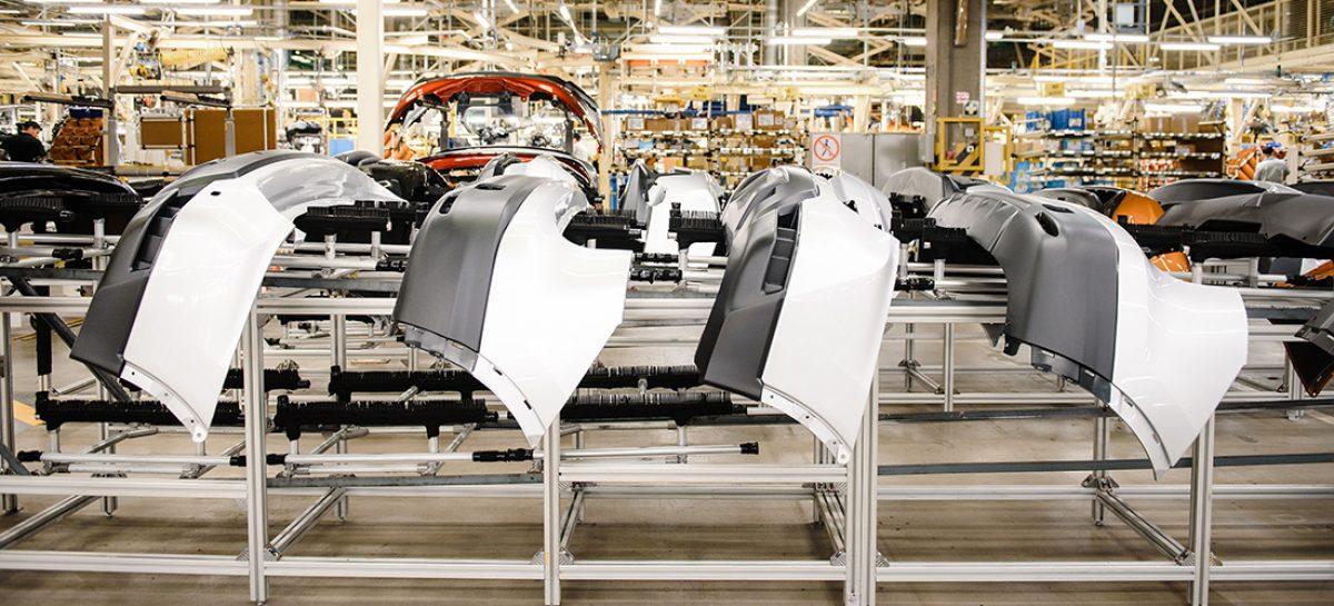 Nissan отмечает 10-летие производства автомобилей в России