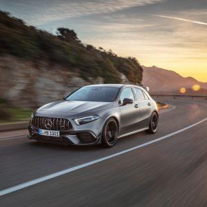 Новые спорткары Mercedes-AMG A 45 4MATIC+ и CLA 45 4MATIC+ закрепляют лидерские позиции