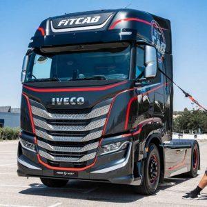 Iveco Fit Cab - грузовой автомобиль с тренажерами для фитнеса